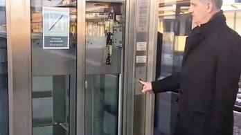 Kiakadt Békéscsaba polgármestere a MÁV-liftekre