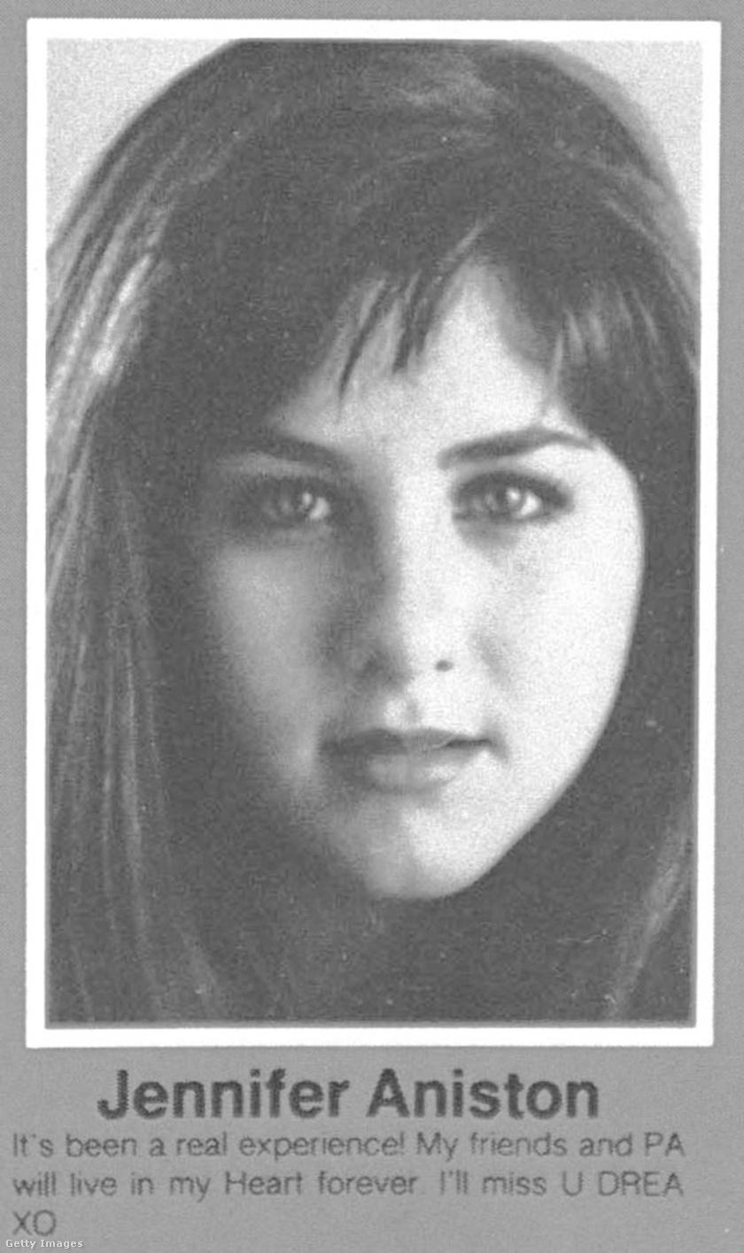 Ez volt Jennifer Aniston végzős középiskolai fotója, 1987-ben fejezte be a tanulmányait.