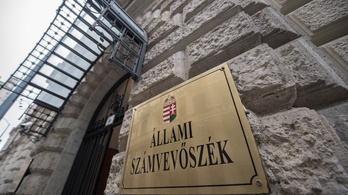 Kiszámoltuk, mennyi pénzt szedett be eddig az Állami Számvevőszék az ellenzéki pártoktól