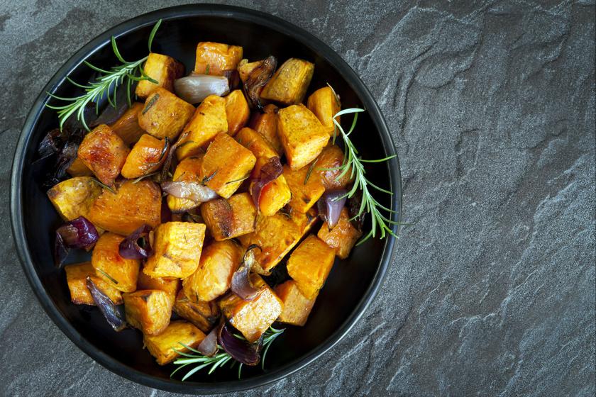 Serpenyőben sült, fűszeres édesburgonya: ha egészséges és különleges köretre vágysz