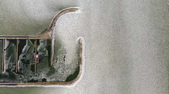 3-4 centiméter vastag jégtakaró fedi a Balatont