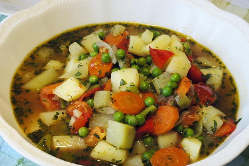 Téli, ínyenc zöldségleves: jóllaksz tőle, és felturbózza az immunrendszeredet