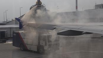 Új technológia védheti a repülőgépeket a rettegett jegesedéstől