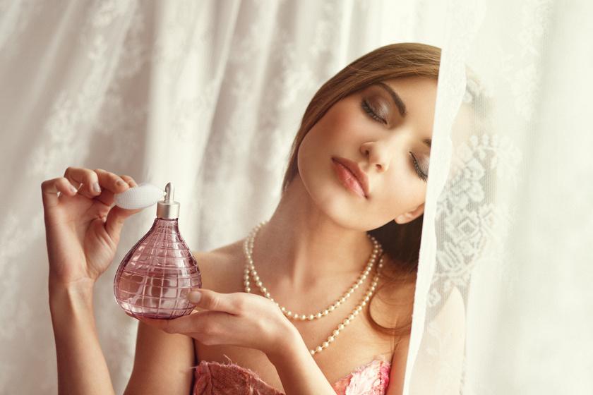 Intenzív, nőies kisugárzást kölcsönöz az isteni, új parfüm - Egy férfi sem tud ellenállni a tavaszi illatnak