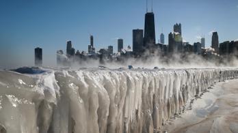 Extrém hideg: fegyverrel raboltak kabátokat Chicagóban