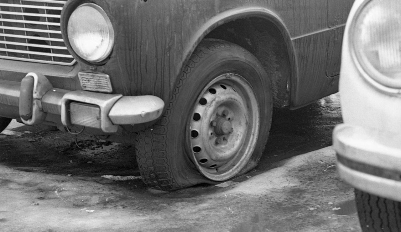 A szocialista használtautó-piac legkeresettebb autói a Zsigulik voltak. Az Autó-Motor korabeli adatai szerint a hetente gazdát cserélő járművek kábé negyedét tették ki. Mivel sokan akartak ilyen autót, ezért áruk használtan, rosszabb műszaki állapotban is magas volt, a kiutalásból származó, alig pár kilométert futott példányok pedig jelentős felárral keltek el.