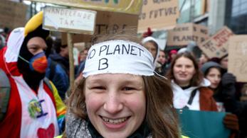 Húszezer diák tanítási időben követelt hatékony klímapolitikát a kormánytól