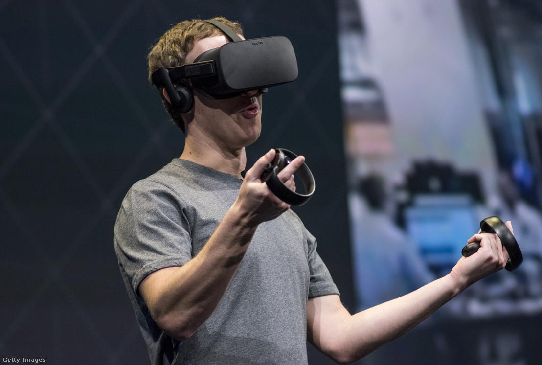 Mark Zuckerberg bemutatja az Oculus Rift VR fejhallgatót és vezérlőket Kaliforniában 2016. október 6-án