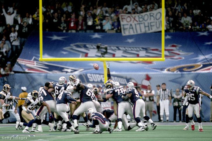 A Super Bowl XXXVI mindent eldöntő rúgása