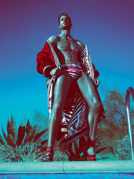 Versace Man 2012. tavasz-nyári kampány, a modell Ryan Barrett