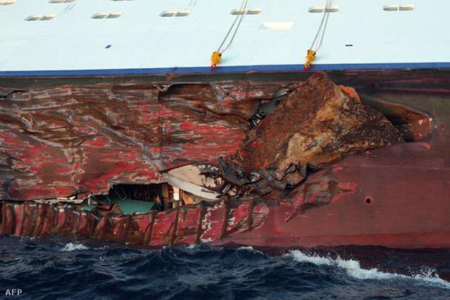 A Costa Crociere hajótársaság csak szombat kora délután adott ki közleményt, mely szerint a hajó rossz útvonalon haladt. A kapitányt a hatóságok hallgatták ki, az ügyészség pedig emberölés vádjával indított vizsgálatot ismeretlen tettesekkel szemben. Az ügyészség közleménye szerint meg kell állapítani, ki vezette a hajót és hol tartózkodott a kapitány a tragédia bekövetkezésekor.