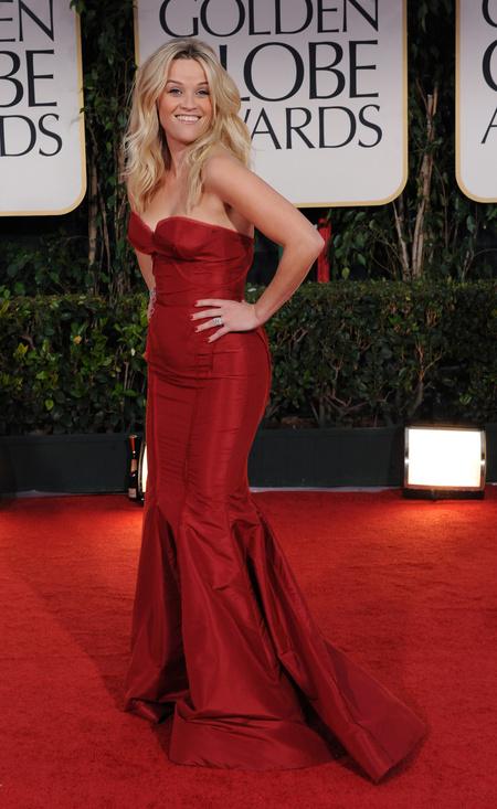 Reese Witherspoon azt hiszi, jól áll neki a Zac Posen estélyi.