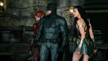 Ben Afflecket lecserélik egy fiatalabb Batmanre