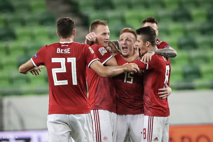 Kleinheisler László (középen) a magyar válogatott Horvátország elleni mérkőzésén a Groupama Arénában 2018. szeptember 11-én