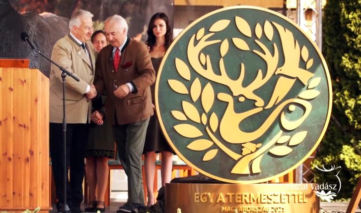 Semjén Zsolt és Gróf Károlyi József a vadászkiáltás logójának bemutatóján 2018 szeptember 18-án
