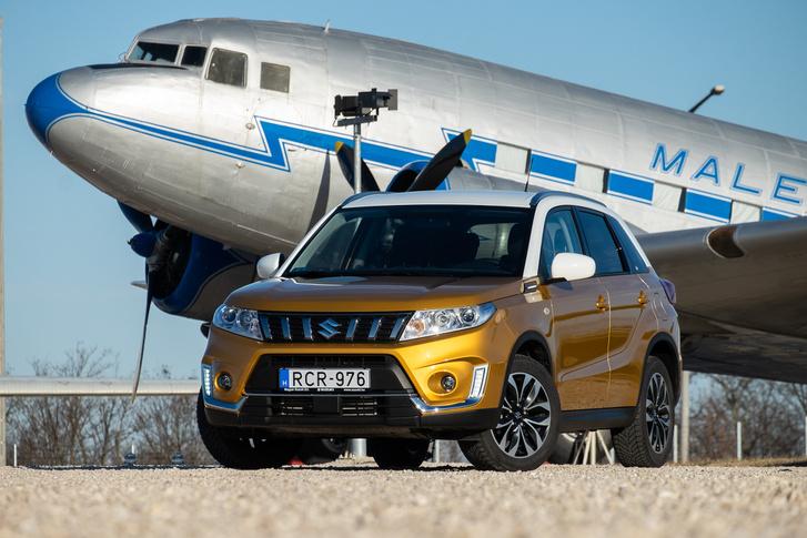 4,2 méteres hosszal még mindig a kicsik közé tartozik SUV-világban