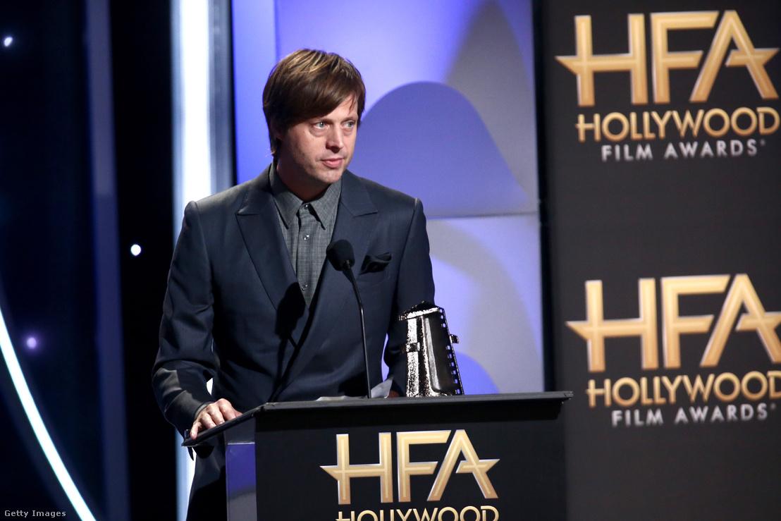 Felix Van Groeningen megkapja a legjobb rendezői díjat, a Hollywood Film Awards díjátadóján a Csodálatos fiú című filmért, 2018. november 4-én