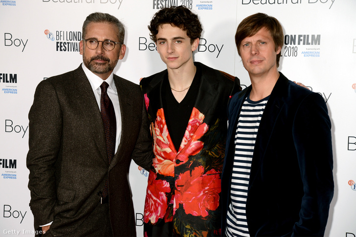 Steve Carell, Timothee Chalamet és Felix van Groeningen, a Csodálatos fiú című film londoni premierjén 2018. október 13-án