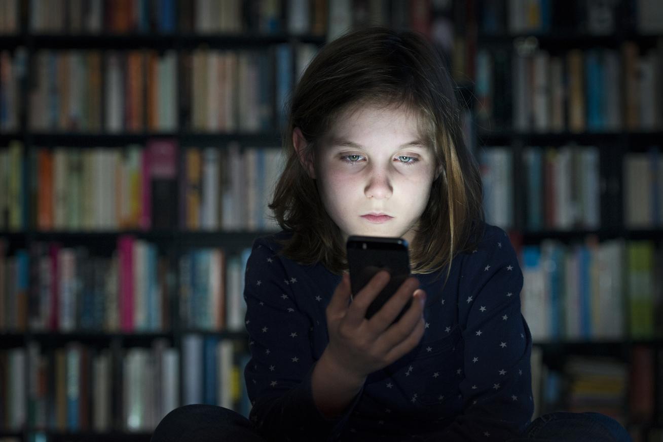 cyber-bullying-gyerek-telefon-zaklatas