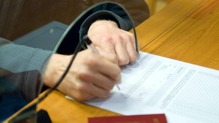 Szerződjünk papíron, mint a középkorban!