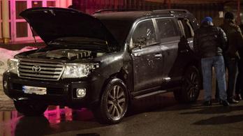 Gránátvetővel támadtak rá egy páncélozott terepjáróra Ukrajnában