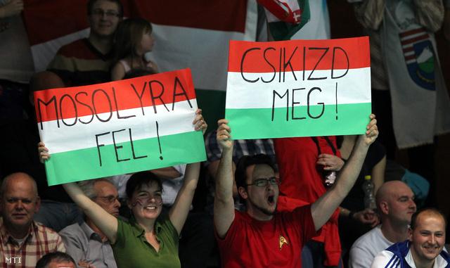 Magyar szurkolók Eindhovenben