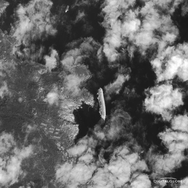 satellite-photo-costa-concordia-digital-globe
