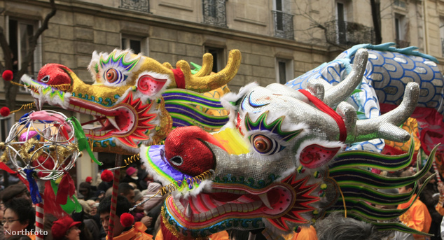 Sárkánytánc Párizs kínai negyedében