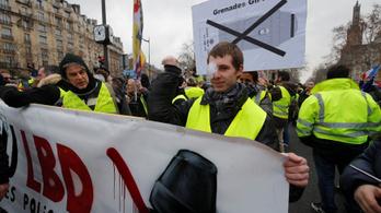 Ezúttal a rendőri erőszak ellen tüntettek a sárgamellényesek