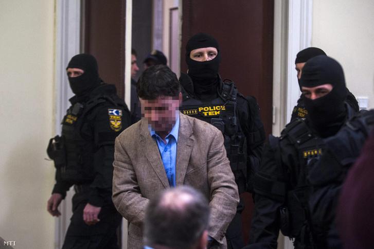 Portik Tamás a Fővárosi Törvényszéken 2015. február 26-án.