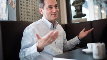 Hunvald Györgyöt indítja az MSZP a hetedik kerületben