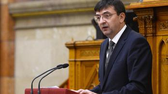 Az Állami Számvevőszék elnökének leváltását kezdeményezi a DK