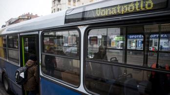 Kisebb döccenőkkel indult a hatvani vonatpótlás