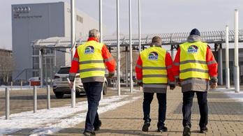 Százezreket kért vissza az Audi távozó dolgozóitól