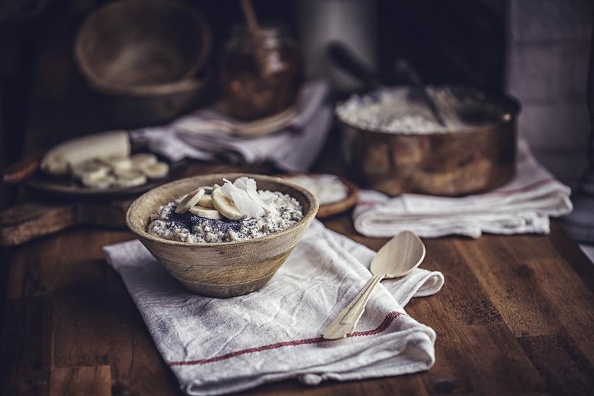 A zab remek rost-, kálium-, magnézium- és mangánforrás, a reggeli zabpehely ezért még egészségesebb lesz, ha a kalciumdús mákkal párosítva készíted el.
