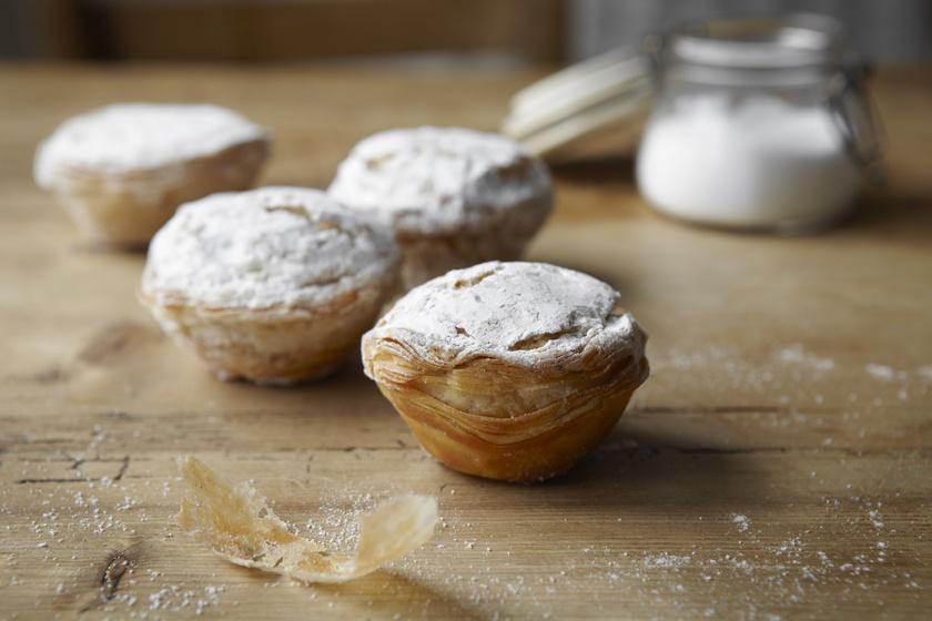 Expressz vaníliás, gyümölcsös leveles süti: muffinsütőben sütve még csábítóbb