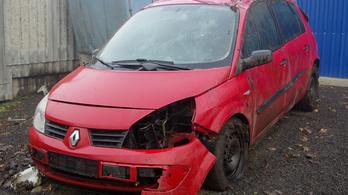 Így támadt fel egy totálkáros Renault