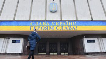 Már 89-en jelentkeztek be ukrán elnöknek