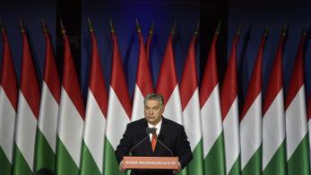 Együtt tüntet az ellenzék Orbán Viktor évértékelője alatt