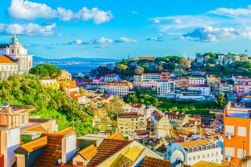 Takaros kis utcák, hangulatos bolhapiacok: Lisszabon télen is megér egy misét