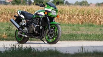 Használt: Kawasaki ZRX1200R - 2001.