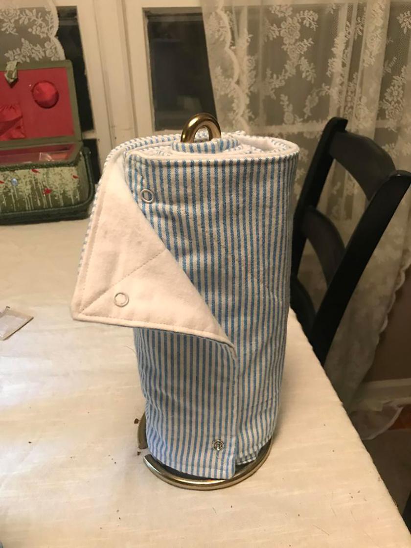 Papírtörlő kendő helyett mosható rongytekercs elhasznált pamutruhákból.