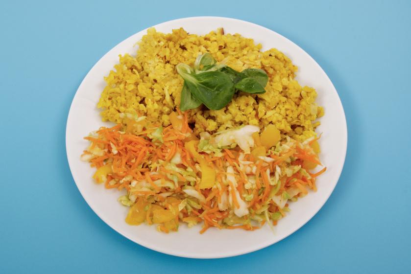 Karfiollal sült bulgur friss zöldségekkel: egészséges, karcsúsító fogás