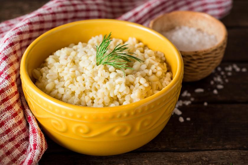 A bulgur tulajdonképpen tört búza. Teljes kiőrlésű gabonának vehető köret, nagyszerű folsav-, vas-, magnézium- és káliumforrás, illetve E- és B-vitaminban is bővelkedik.