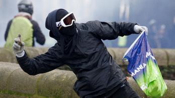 Eltilthatják a tüntetések rendzavaróit a további megmozdulásoktól Franciaországban