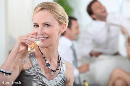 stockfresh 1523560 woman-drinking-champagne sizeM