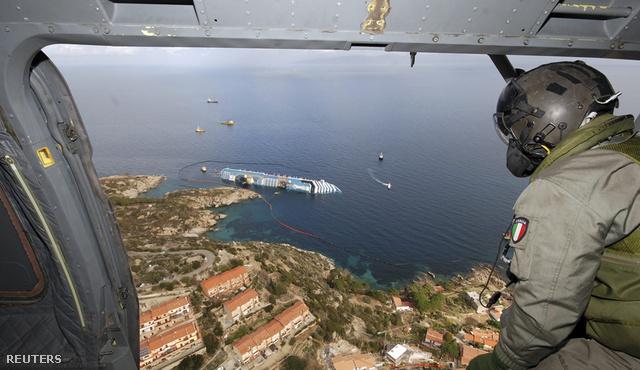 2012-01-26T181336Z 636187467 GM1E81R06DL01 RTRMADP 3 ITALY-SHIP
