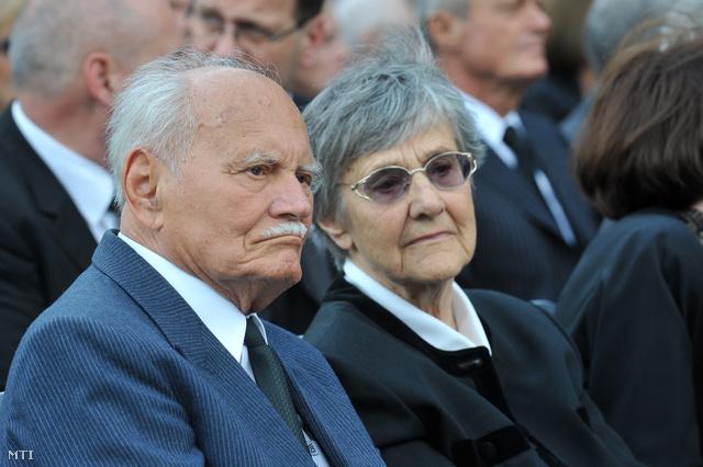 Göncz Árpád volt köztársasági elnök és felesége