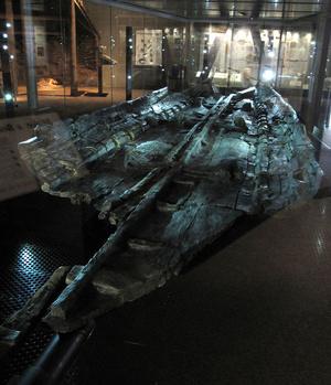 A rekonstrukció alapjául szolgáló ősi csónak