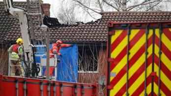 Négy gyerek halt meg egy angliai lakástűzben